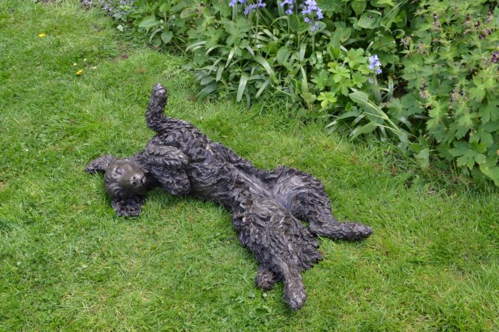 Wiggling Spaniel  - click to visit artists gallery ->